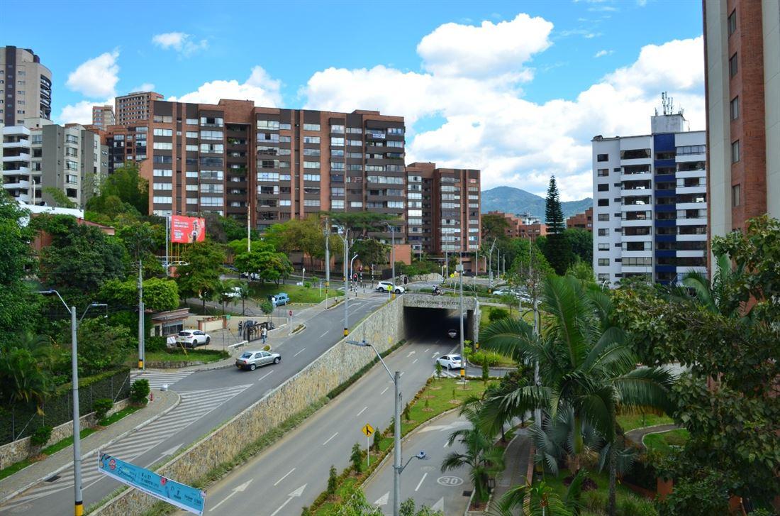 Lujoso y Espectacular Penthouse en Venta en Medellin Poblado LB
