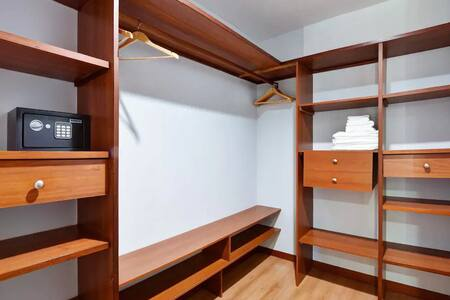 Increible Apartamento en Venta en Medellin Poblado S4
