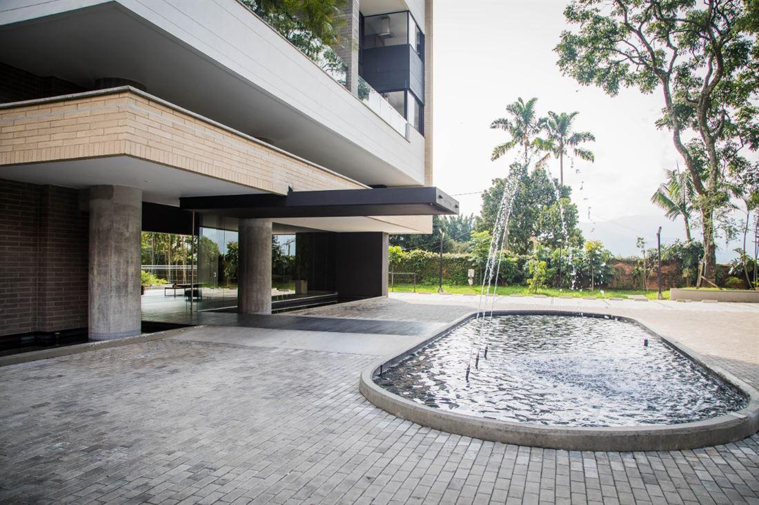 Destacado apartamento en venta en Medellin Poblado
