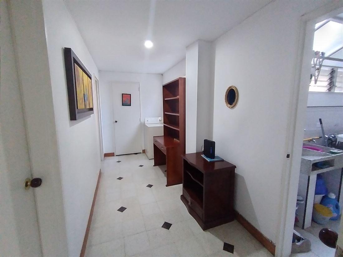 Espacioso Apartamento en Venta en Laureles