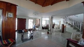 Exclusiva casa en venta en Simon Bolivar