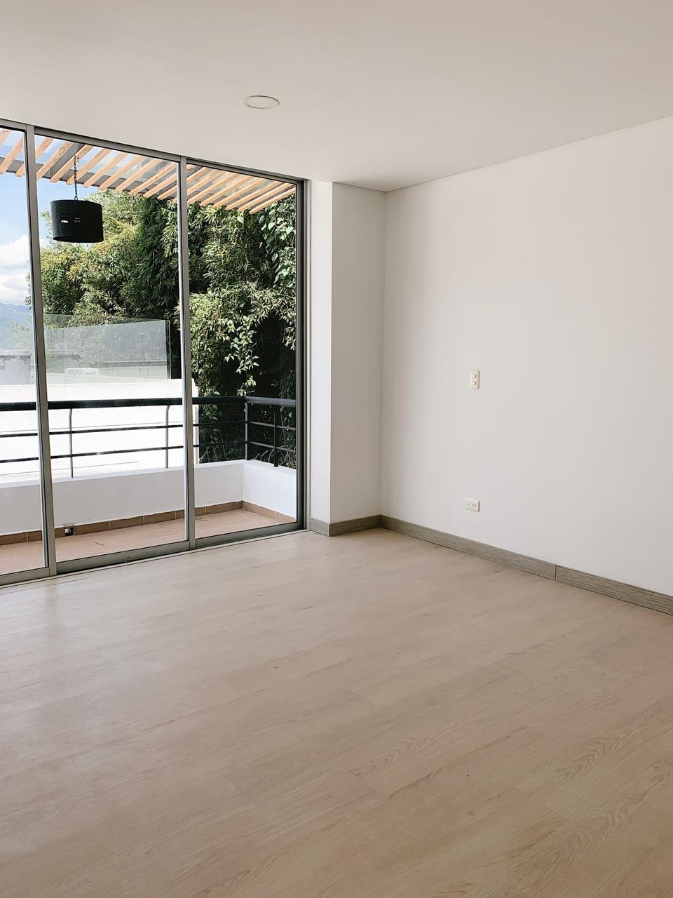 Moderna Casa en venta en Envigado