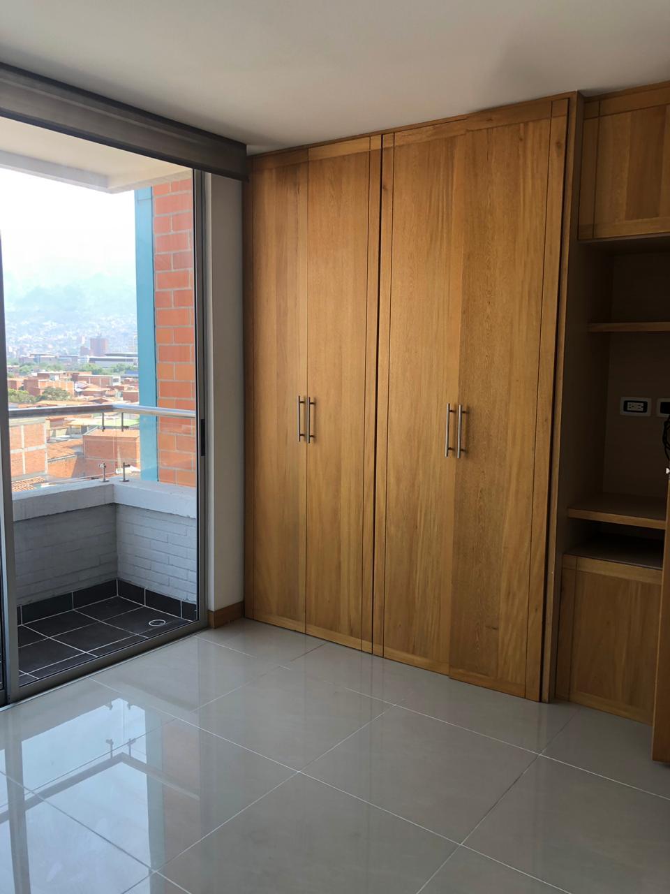 Imponente apartamento en venta San Joaquin-Medellin