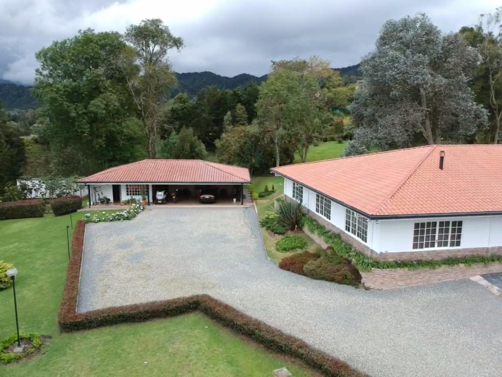 Casa Campestre de Lujo con Casa de Invitados en Venta - Las Palmas