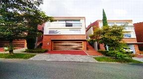 Fantástica Casa en Venta El Poblado San Lucas 387 metros cuadrados