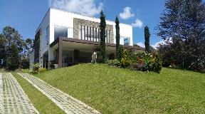 Moderna Casa Campestre en Venta en Alto de Palmas - Medellin