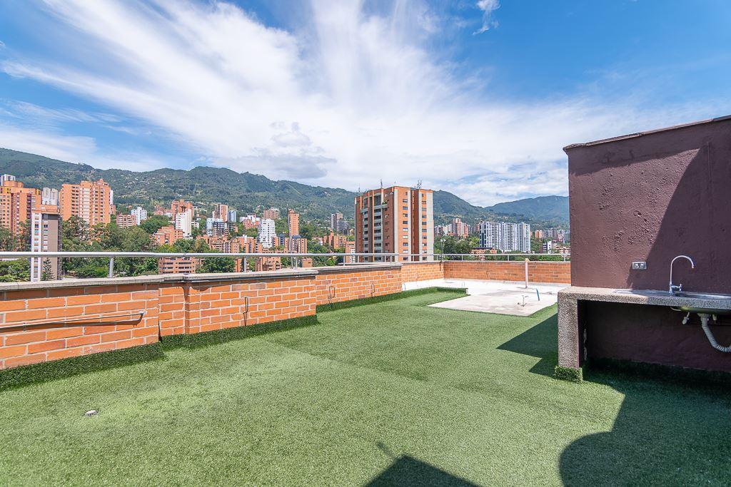 Apartaestudio con Balcon en Venta en Poblado - La Frontera - Medellin