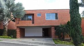Casa en Venta en Unidad Cerrada en Benedictinos - Envigado