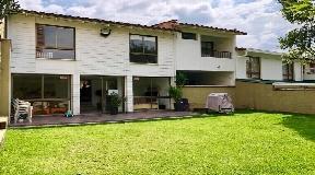 Espaciosa casa en venta en Poblado Medellin