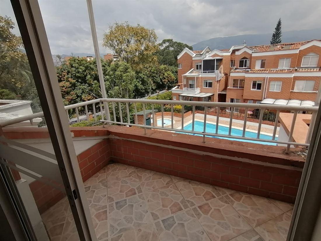 Extraordinaria Casa Unifamiliar en Venta Laureles con 110 m2