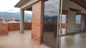 Increible Vista Apartamento Duplex en Venta en Laureles