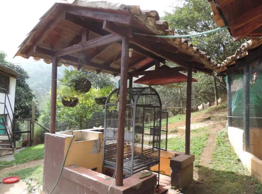 Insuperable Finca en Venta Girardota con jardines Exoticos