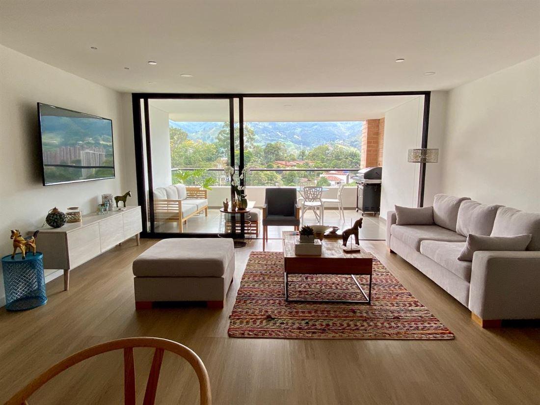 Espectacular apartamento en venta Loma de las brujas Envigado