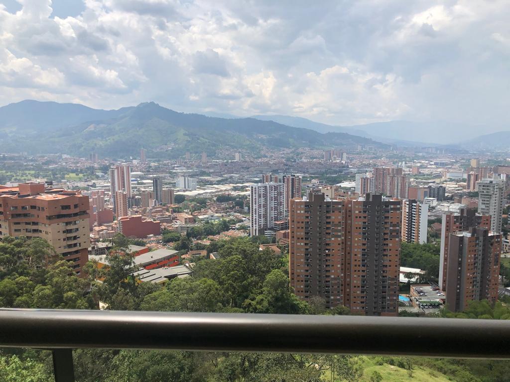Oportunidad de Apartamento ubicado en Sabaneta con 2 parqueaderos
