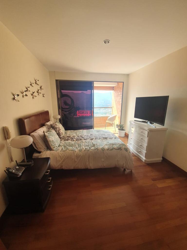 Hermosa vista apartamento en venta en Poblado Medellin