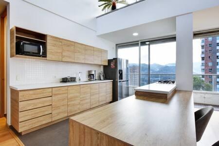 Increible penthouse inspirado en la naturaleza en arriendo en Medellin Poblado O15